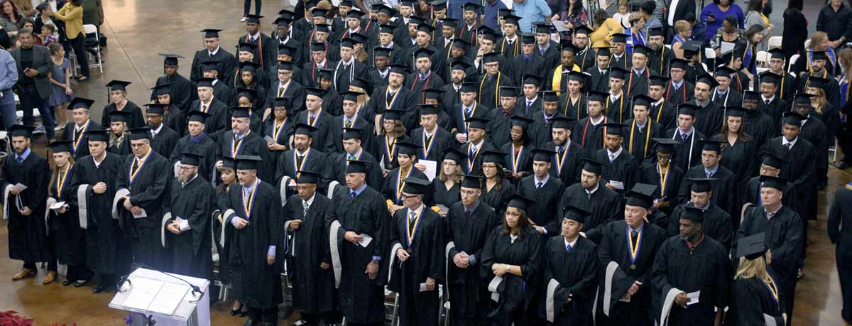 Embry Riddle Worldwide Commencement In Dallas Honors