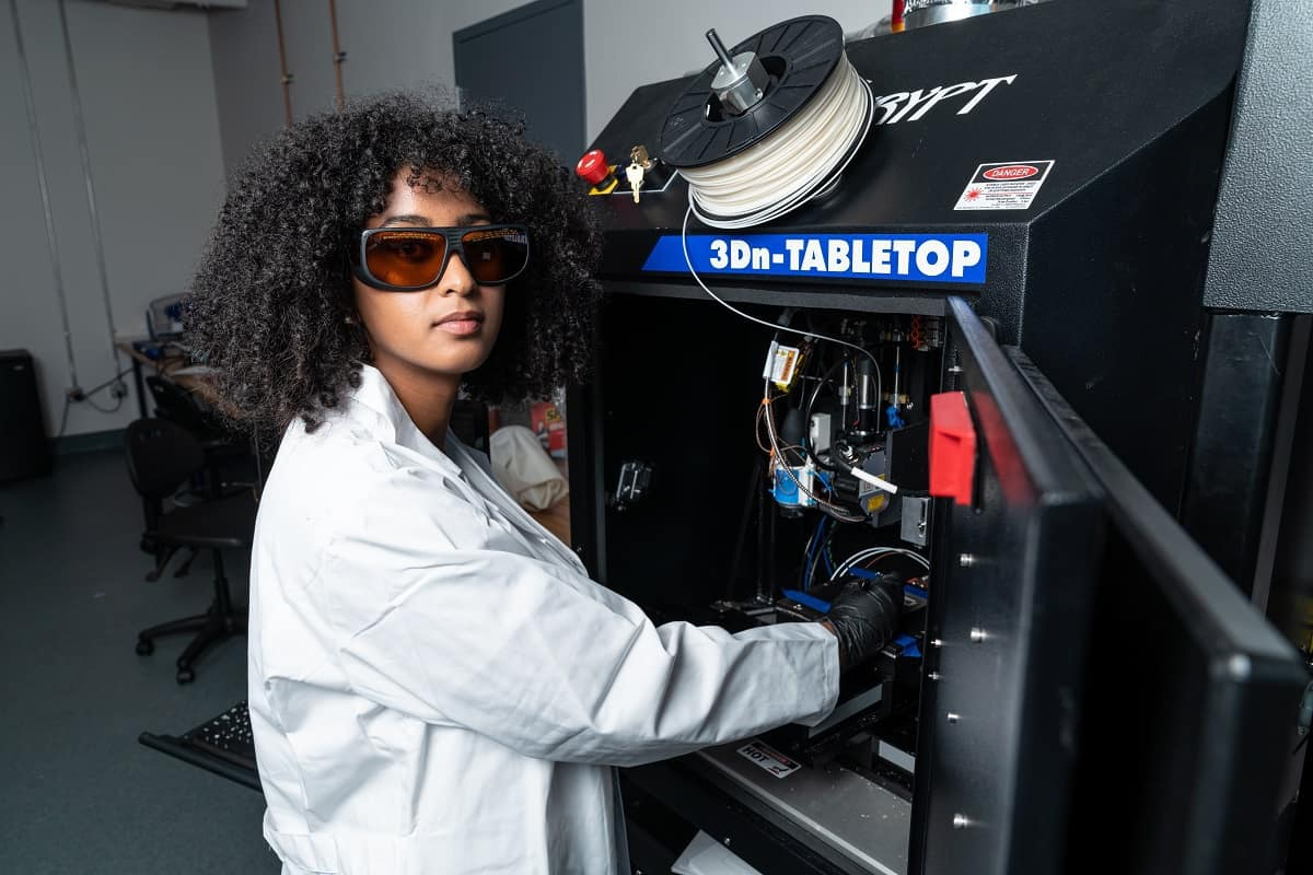 Student Sofia Mvokany uses a state-of-the-art additive manufacturing system integrated with a femtosecond laser for 3D high-frequency electronics in Embry-Riddle's new Wireless Devices and Electromagnetics (WiDE) Laboratory.