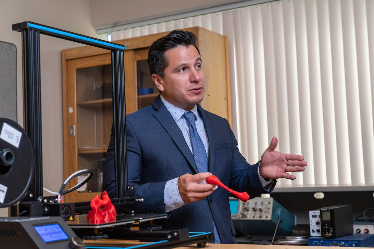 Dr. Victor Huayamaw, a mechanical engineering assistant, is leading the hip dysplasia study at Embry-Riddle as a faculty consultant.