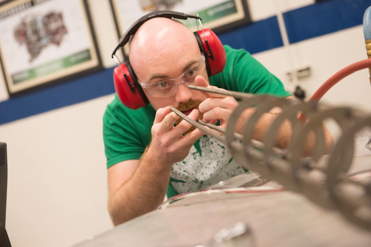 Best Aerospace Engineering Schools >> U S News World Report Again Places Embry Riddle Among